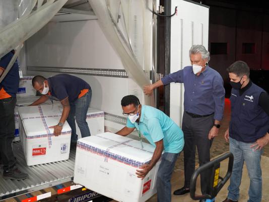 Goiás afirma que vai imunizar todos goianos com primeira dose até setembro