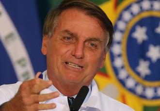 Bolsonaro volta a defender abertura do comércio e apoio as redes sociais
