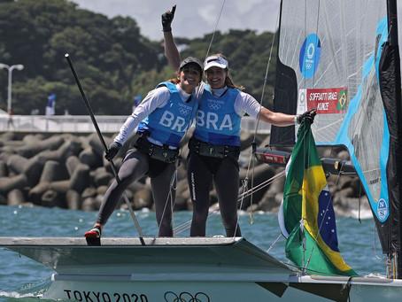 Brasileiras Martine Grael e Kahena Kunze conquistam ouro no Japão