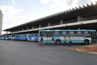 GDF desocupa prédio do Touring e ônibus do Entorno vão para rodoviária