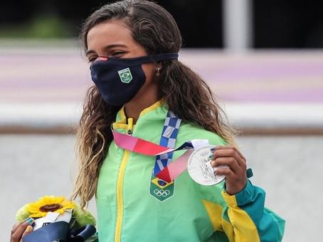 Rayssa Leal conquista prata e se torna a medalhista mais jovem do País