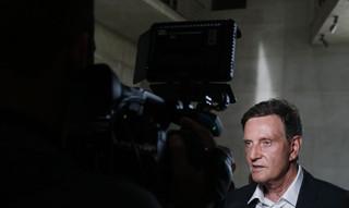Prefeito do Rio é preso suspeito de integrar esquema de corrupção na cidade