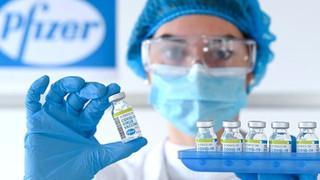 Estudo mostra que vacina Pfizer é eficaz no combate as variantes do novo coronavírus