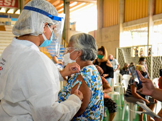 Goiânia, Aparecida e outras cidades interrompem vacinação por falta de doses