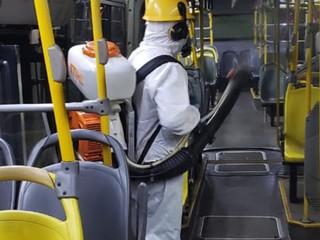 Desinfecção de ônibus reforça combate ao coronavírus no transporte coletivo