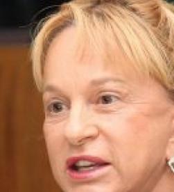 Deputada diz que Caiado politiza caça ao bandido e não dar estrutura aos policiais
