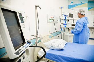 Médicos formados no exterior farão provas de revalidação do diploma domingo