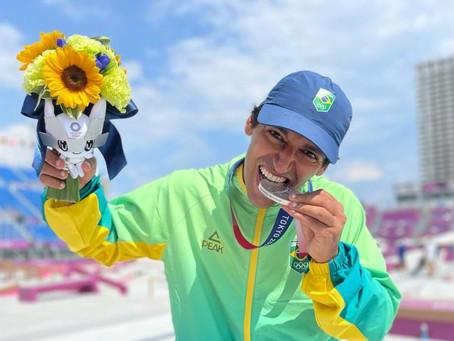 Paulista fica com a prata primeira medalha na modalidade skate masculino