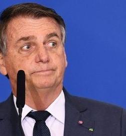 Bolsonaro propõe PL para assegurar direitos dos usuários nas redes sociais