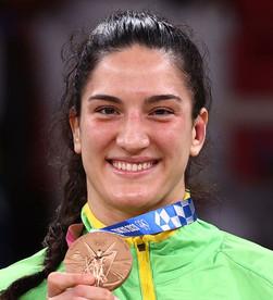 A gaúcha Mayra Aguiar conquista feito inédito com o bronze no judô