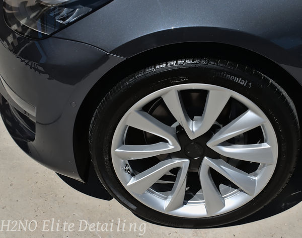 Very Shiny Wheels Tesla in El Paso TX