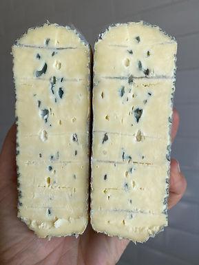 Queijo Azul de Bofete - Queijaria Bela Fazenda - Peça