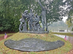 20170902133 OH Zanesville Bicentennial Legacy sculpture group KSS