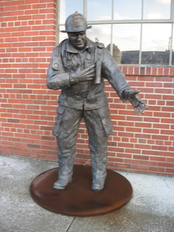more military statues 004