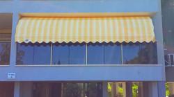 מרקיזה מתקפלת למרפסת