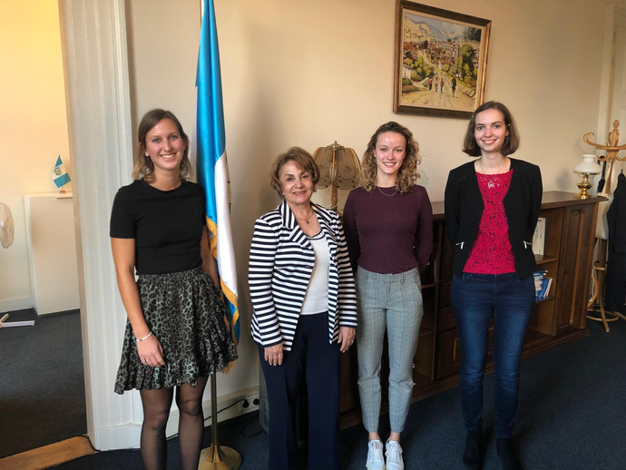 H.E. Mrs Gladys Marithza Ruiz Sanchez, Ambassador of Guatemala to The Netherlands with the ladies of Frank Creations after a discussion on Gender Equality