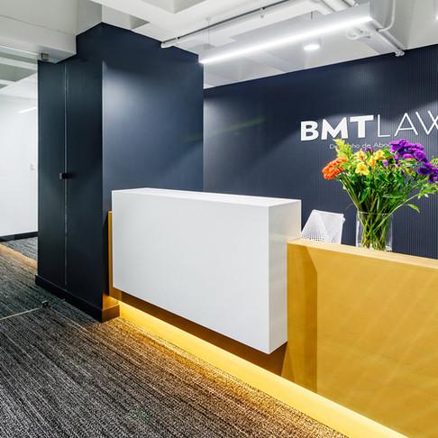 ENTREVISTA: Cómo diseñar los espacios interiores para un estudio de abogados contemporáneo con Félix