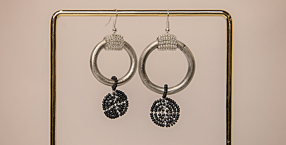 ESIANGIKI EARRINGS (SILVER/BLACK)