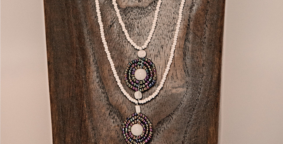 YUNGI YUNGI NECKLACE (WHITE/MULTI)