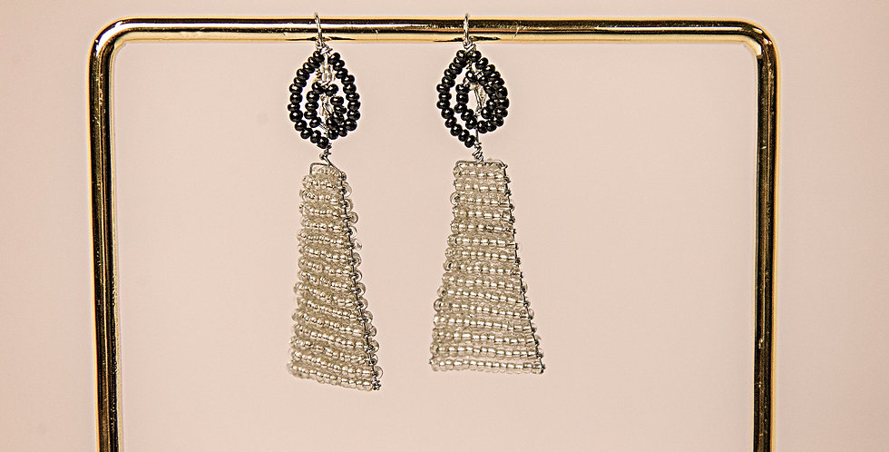 MSHUMAA EARRINGS (SILVER/BLACK)