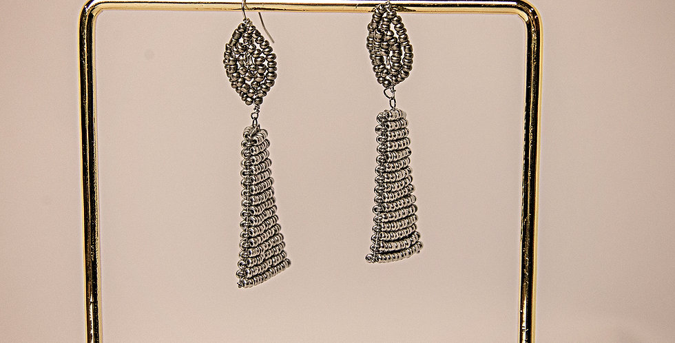MSHUMAA EARRINGS (SILVER/GREY)