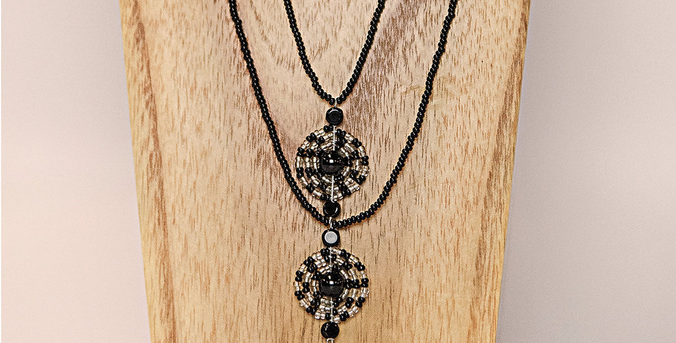 YUNGI YUNGI NECKLACE (BLACK/SILVER)