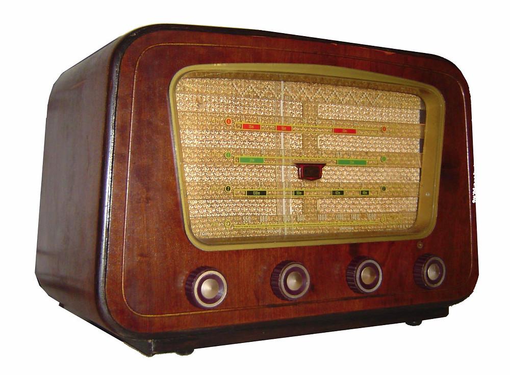 Old-Radio.jpg