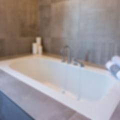 Bathtub Decor Details