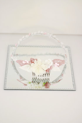 Corona pistilos blancos y rosas
