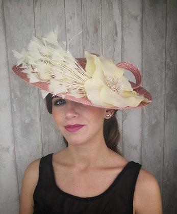 Base lado paja rosa palo, pomo de plumas y maxi flor cruda