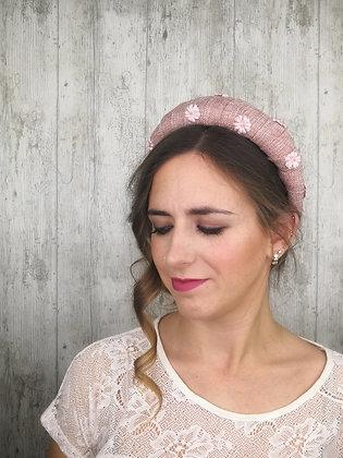 Diadema yute con flores de terciopelo rosa palo