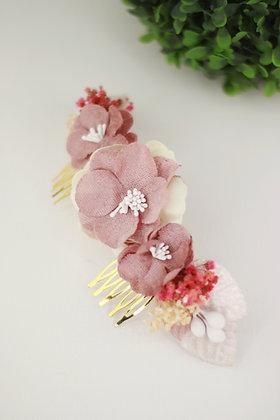 Peineta flores terciopelo rosa palo