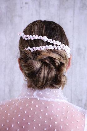 Peineta bandas pistilos blancos y rosas
