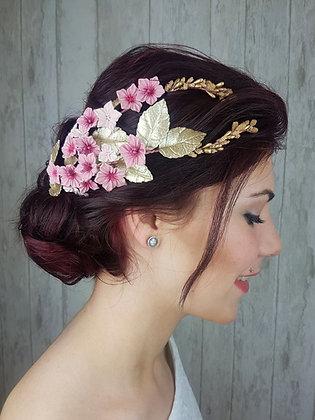 Tocado de flores de porcelana rosa y dorado