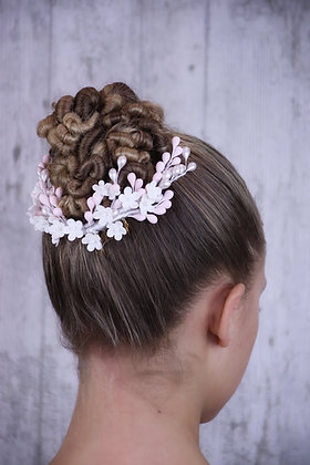 Peineta flores y pistilos blancos y rosas