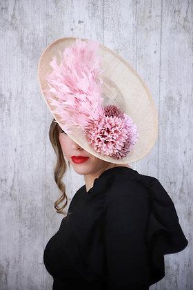 Base lado natural con flores y plumas rosas