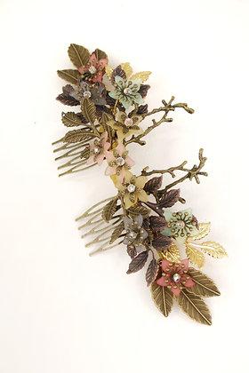 Peineta metal flores resina