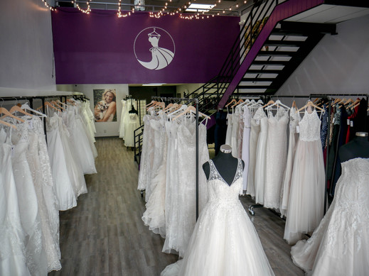 The first view of our Colorado Springs boutique wedding dresses. Walk in to the stress free environment to find the dress of your dreams from our extensive selection of wedding dresses. Browse through boho, chic, elegant, romantic, beaded, lace, and much more! Perfect gowns for a Rocky Mountain wedding or high end New York.