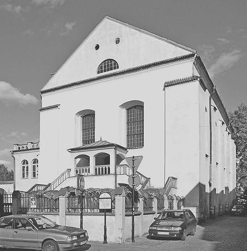 1024px-Krakow_Synagoga_20070930_1539_edi