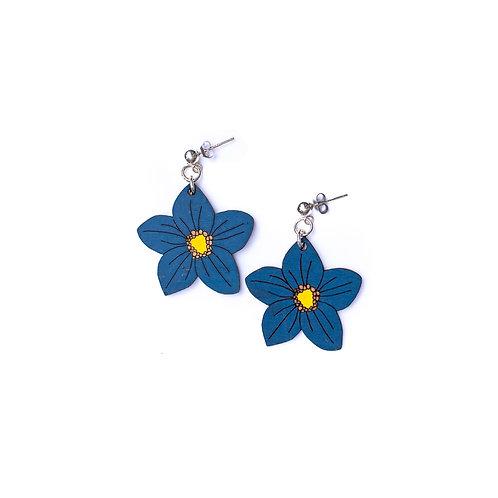 Boucles d'oreilles fleur bleue en bois