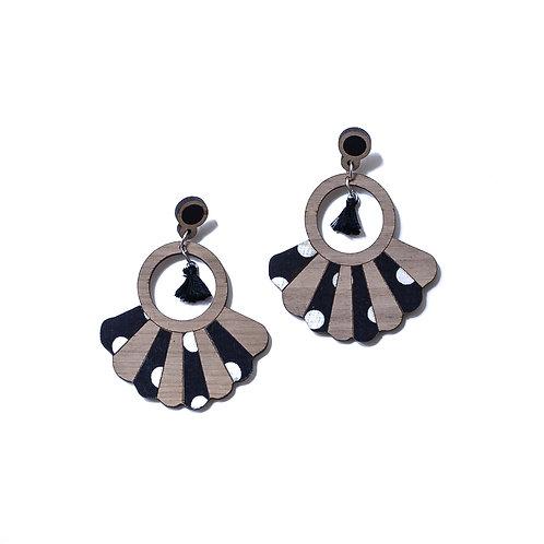 Boucles d'oreilles en bois Frida tissu pois noir et blanc