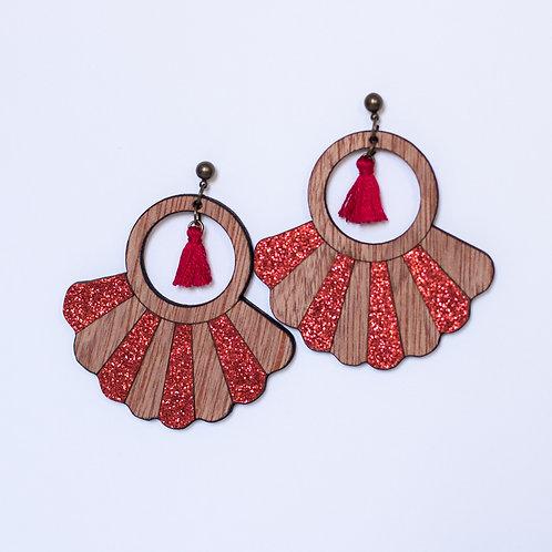 boucles d'oreilles en bois et paillettes rouge