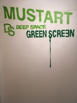 Mustart Green Screen