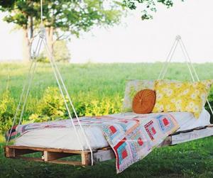 Backyard Hammock Swing Made From Pallets