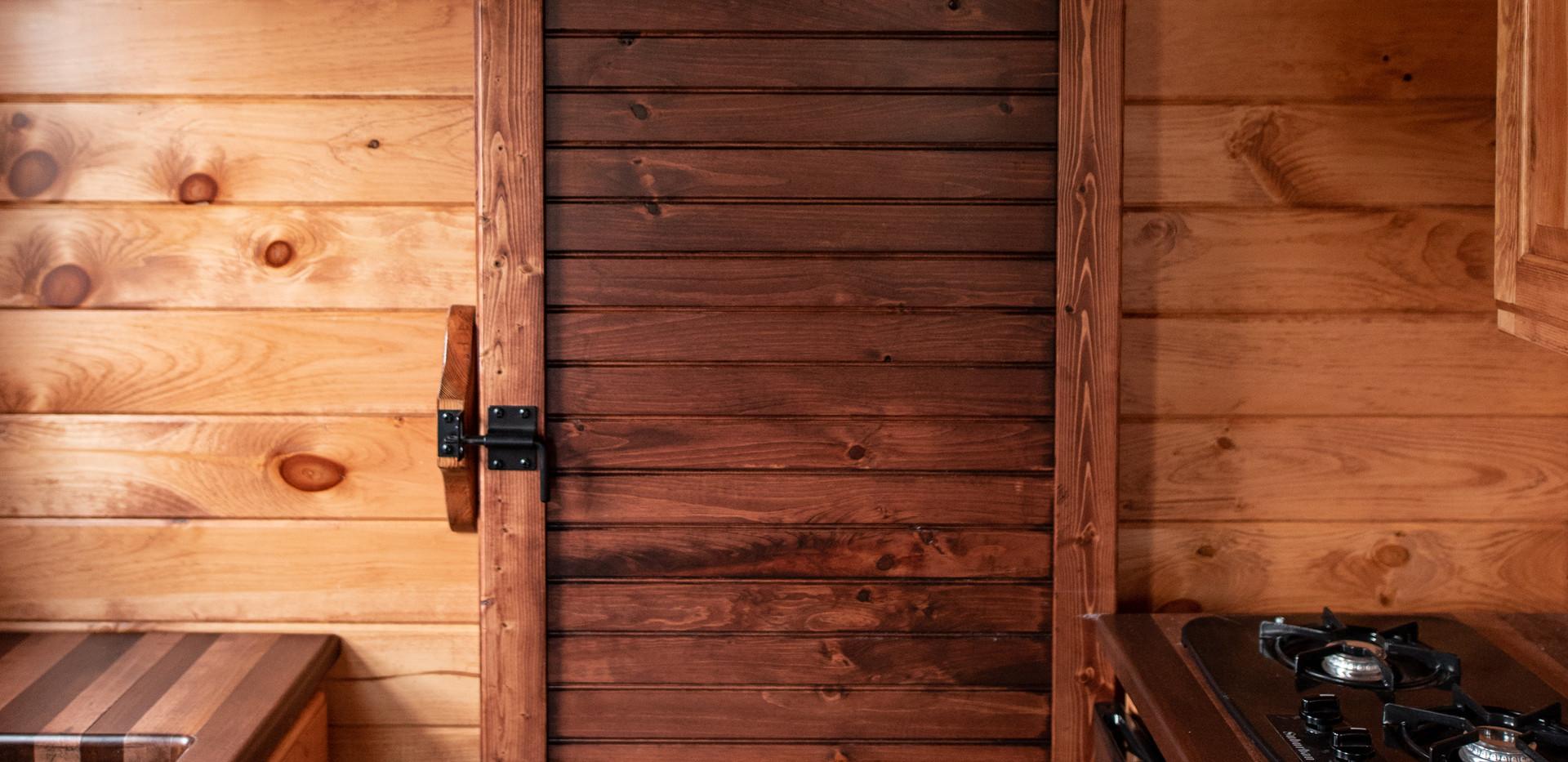 The Lansing Bathroom Barndoor