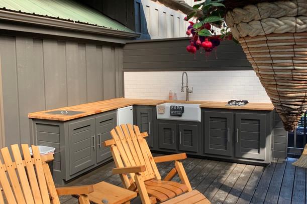 Lodge Outdoor Kitchen