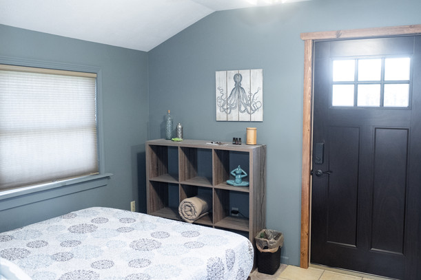Queen Bedroom with Private Entrance