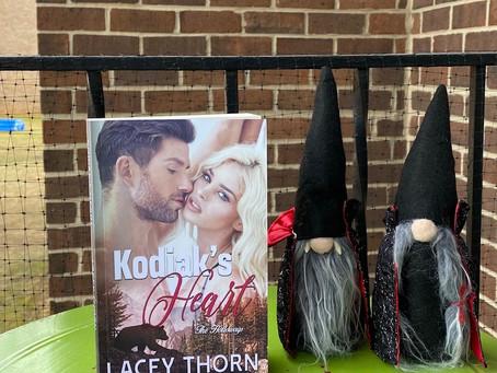 Fan Friday – Kodiak's Heart – Lacey Thorn