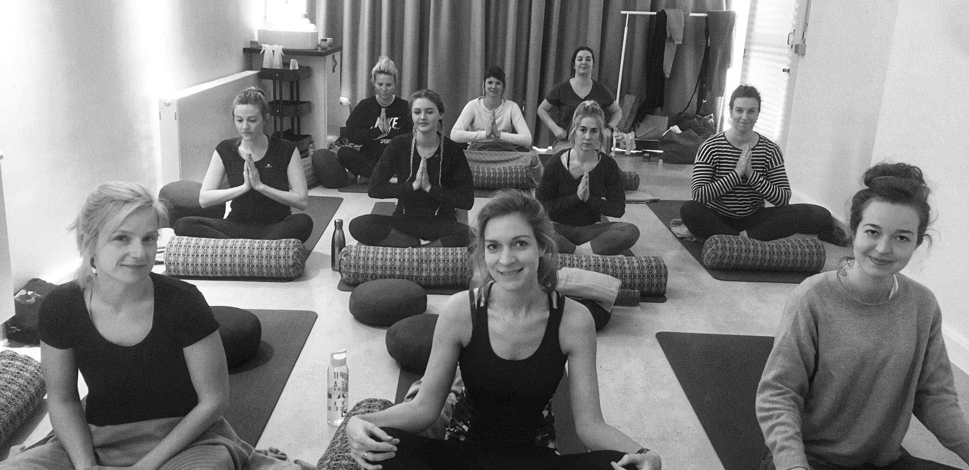 Studio Cocon Sunday Yoga