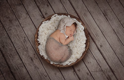 DSC_4051 round basket cream fill backdrop 2 baby in web